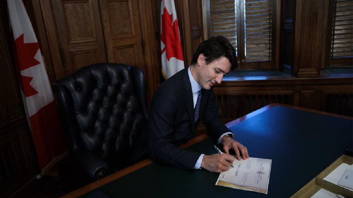 El primer ministro de Canadá, Justin Trudeau, sorprendió con sus conocimientos de física cuántica al ser preguntado en broma por un periodista.