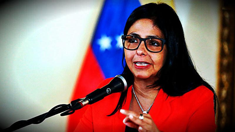 La canciller atacó al presidente Kuczynski durante su discurso de apertura en el Foro Chávez Antiimperialista.