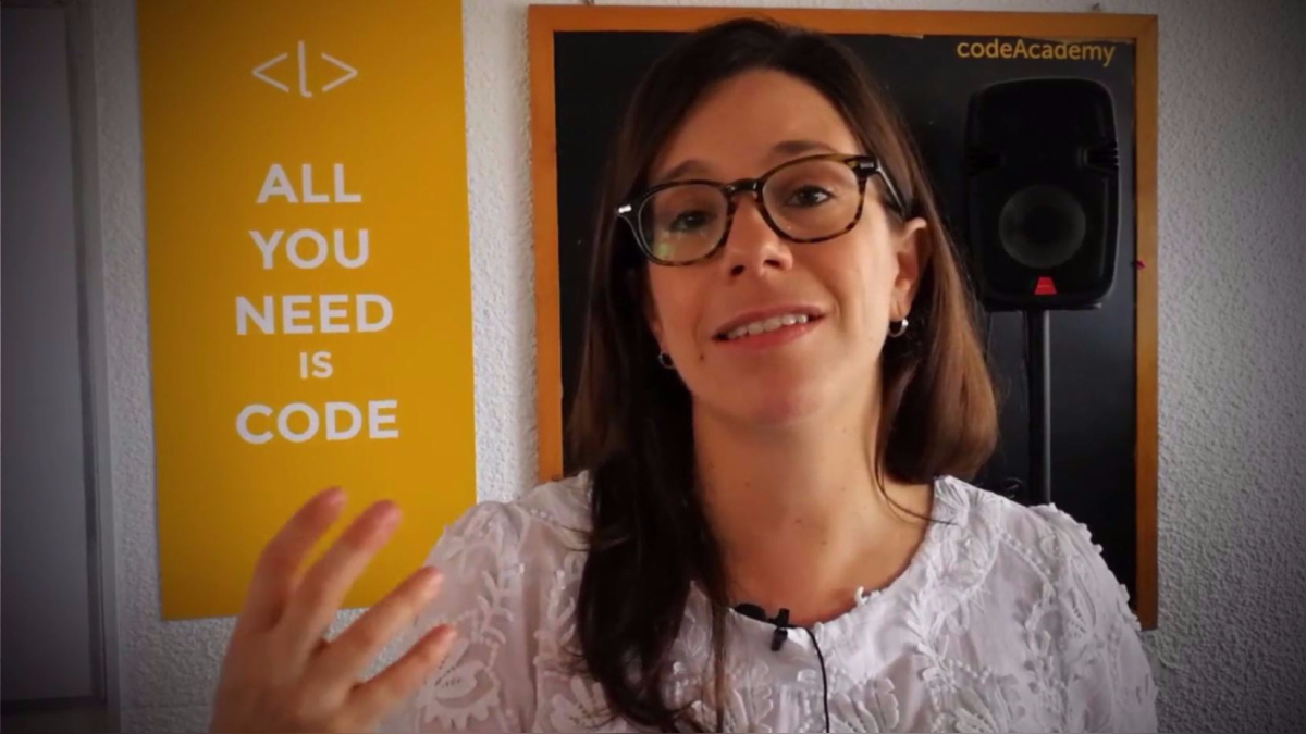 Conversamos con Ana María Martínez sobre la evolución de Laboratoria y las metas que tiene para las nuevas programadoras.