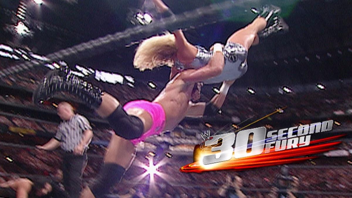 Stratusfaction es el nombre de uno de los movimientos especiales de Trish Stratus, usaba las cuerdas del ring para apoyarse y hacer la mortal llave.
