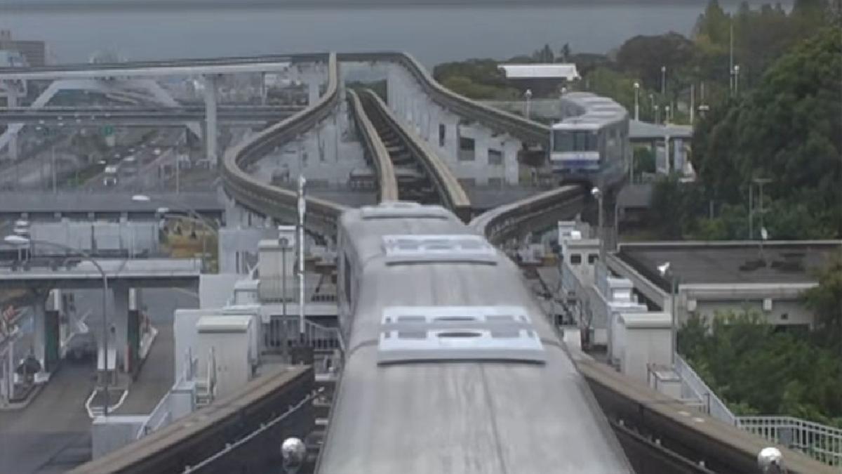 El monorriel de Japón tiene 28 kilómetros de extensión y 18 estaciones.