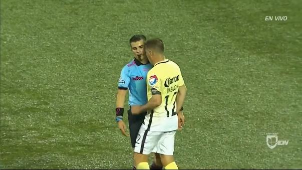 Agresión de Pablo Aguilar al árbitro Fernando Hernández.