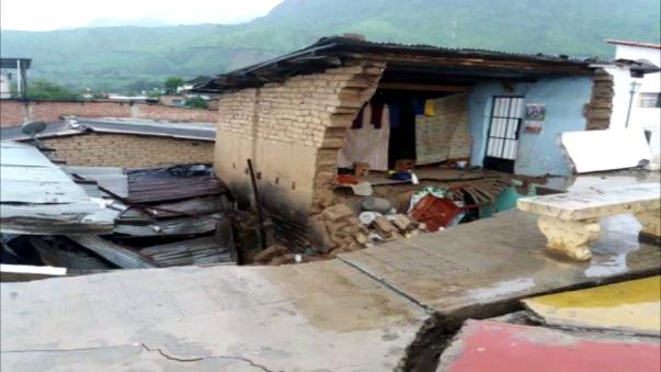 Casas de adobe afectadas por las lluvias.