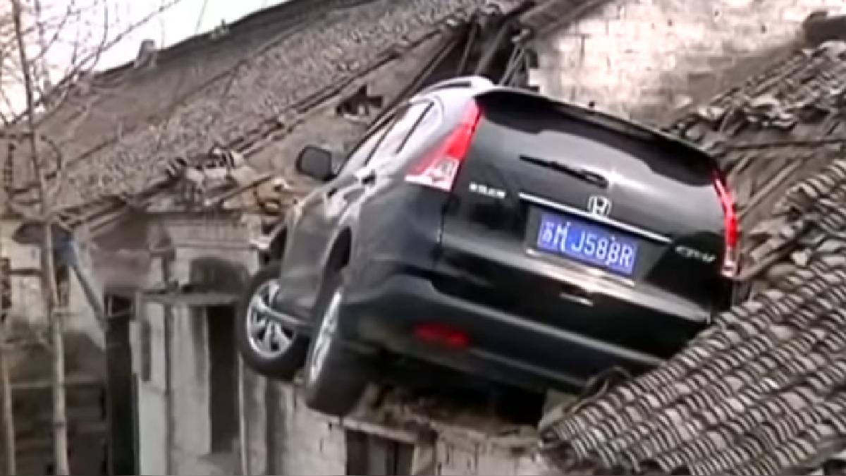 Las imágenes de YouTube muestran el momento preciso del accidente.