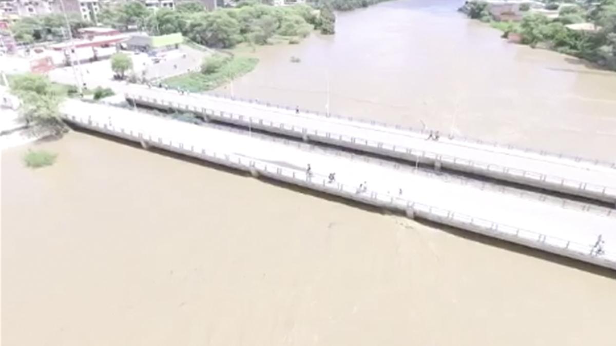 El río Piura amenaza con más desbordes.