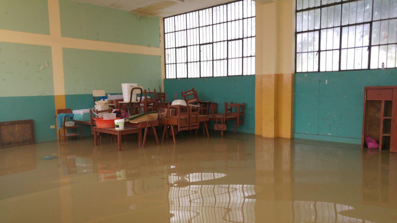 Las lluvias han inundado dos de sus pabellones y afectado las aulas.