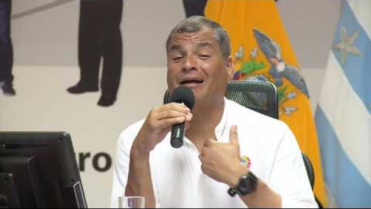 Rafael Correa habló a la prensa de su país sobre los efectos mínimos de El Niño en Ecuador.