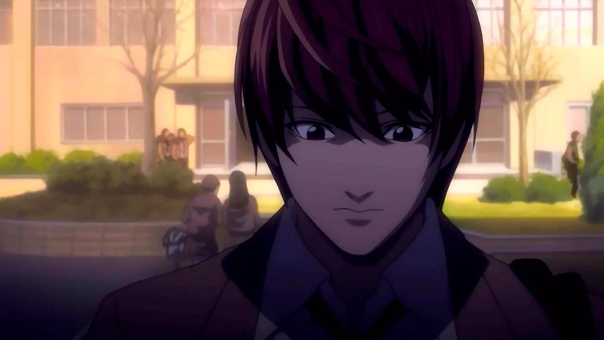Si no conoces el anime de Death Note, aquí está el trailer. Todos los capítulos están en Netflix.