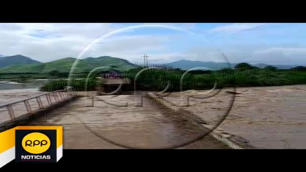 Colapsó el puente Tablazos en Chiclayo.