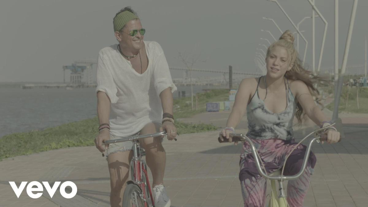 Carlos Vives y Shakira grabaron el video de La bicleta en la ciudad de Barranquilla.