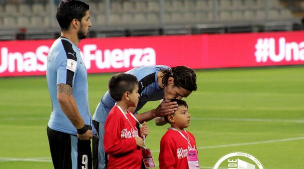 Edinson Cavani jugó los 90 minutos en el duelo ante Perú.
