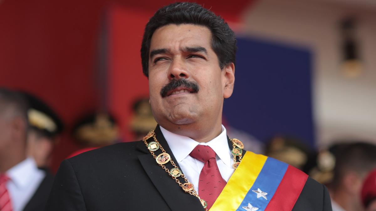 El internacionalista Francisco Belaunde explicó los antecedentes del autogolpe y lo que podría hacer la OEA al respecto.