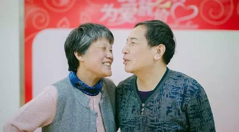 Para el cambio de sexo, Xin Yue tuvo que pedir los permisos legales de su familia y pasar un test psicológico.