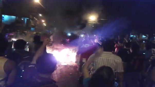Las calles aledañas a la Plaza de Armas de Paraguay se encuentran bloquedas por manifestantes.