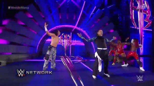 The New Day presentan a Matt y Jeff Hardy en Wrestlemania