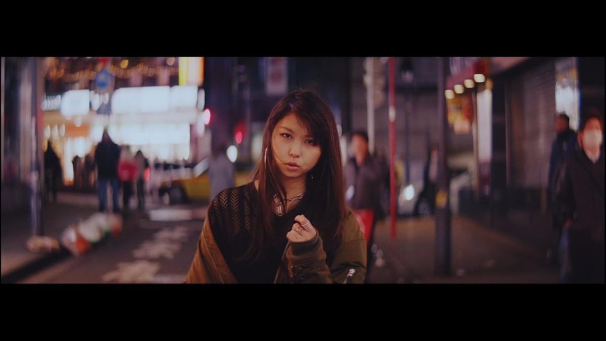La canción se llama Boogie Back, interpretado por Miyu Inoue.