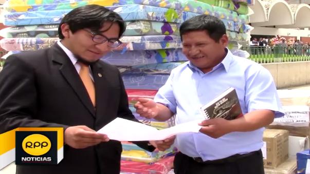 Ante la negativa del consejo provincial, Pedro Huamán donó su dieta a título personal.