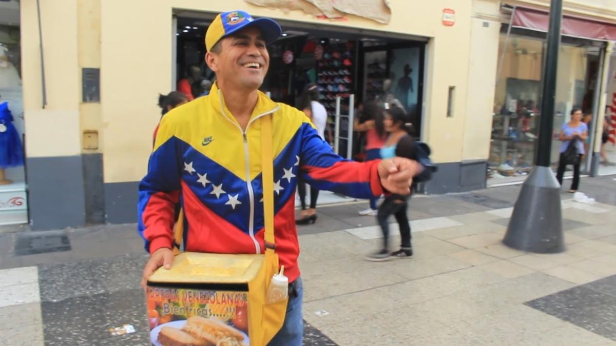 El permiso de turista al que tienen acceso la mayoría de venezolanos, no les permite encontrar empleos formales.