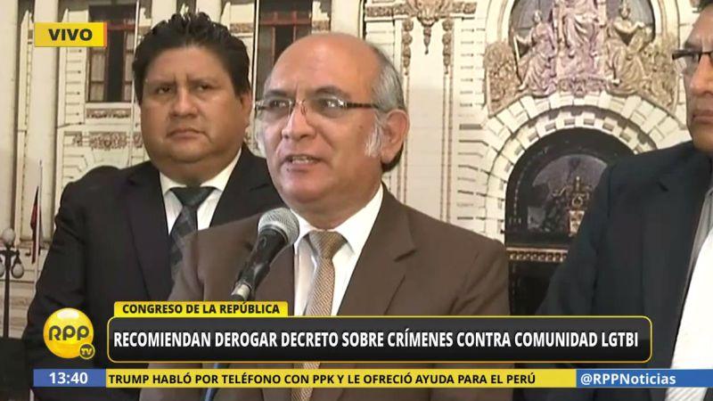 Julio Rosas negó que la actitud de su bancada haya sido homofóbica.