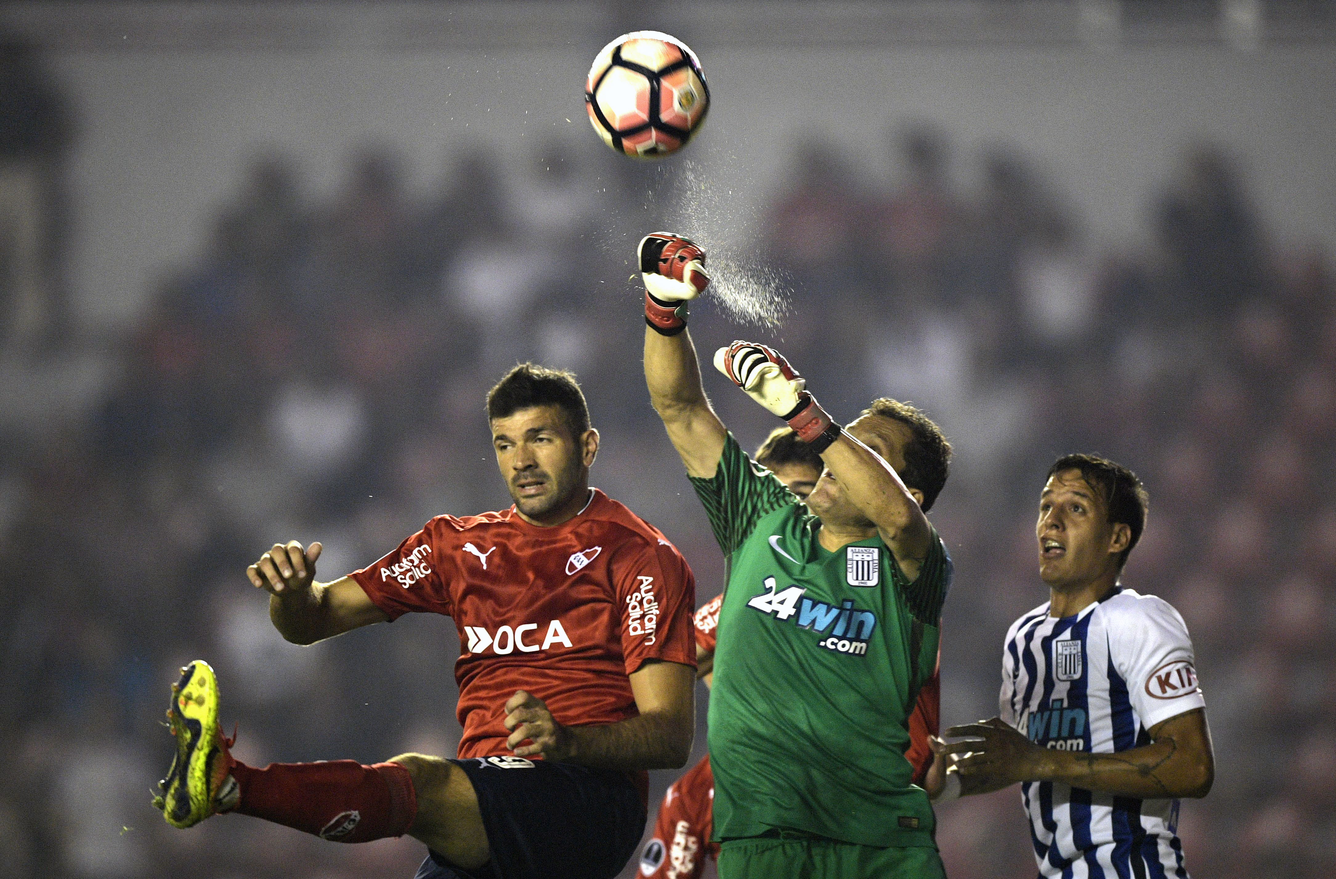 Leao Butrón juega su segunda etapa en Alianza Lima. La primera fue entre el 2004-2005.