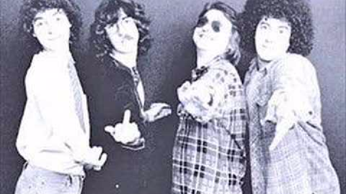 Viernes 3 AM perteneció al disco La grasa de las capitales (1979) de Serú Girán.