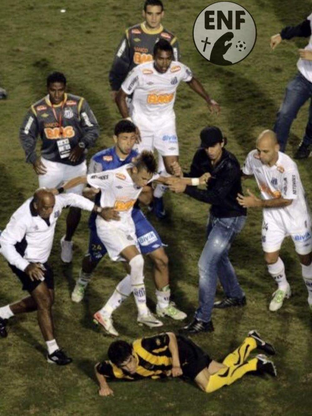 Luis Aguiar y Neymar se enfrentaron en la final de la Copa Libertadores 2011. Santos venció a Peñarol y salió campeón