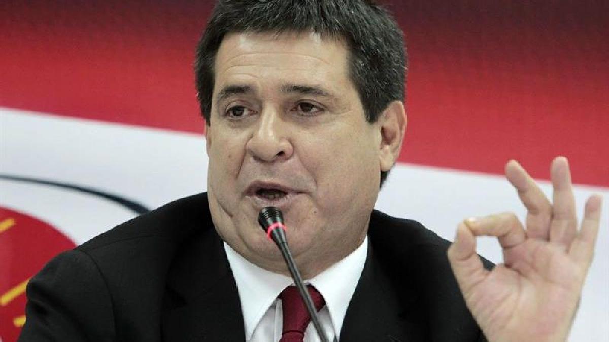 El polémico proyecto fue promovido por el gobernante Partido Colorado, de Cartes, y el Frente Guasú, del expresidente Fernando Lugo, formaciones que conjuntamente trabajaron en su redacción.