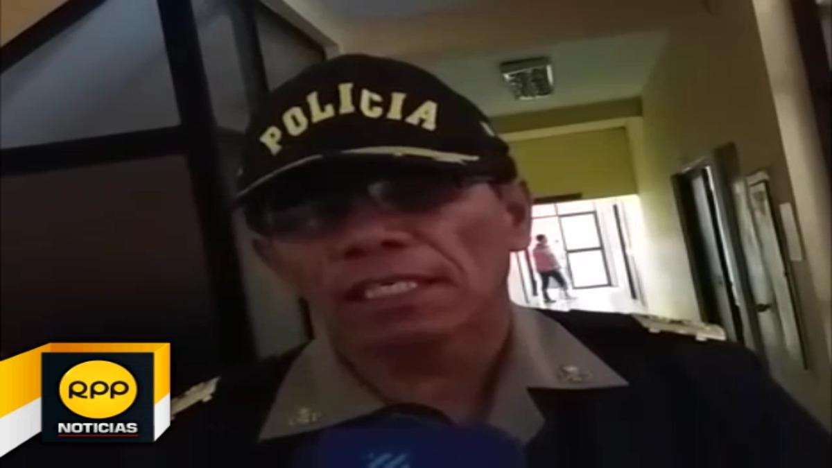 Según jefe policial, ambos ciudadanos por sólo contar con visa de turistas están prohibidos de realizar foros, proyecciones y otras actividades.