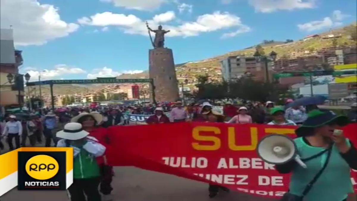 Docentes del Sutep se movilizan en primer día de paro de 48 horas convocado en el Cusco.