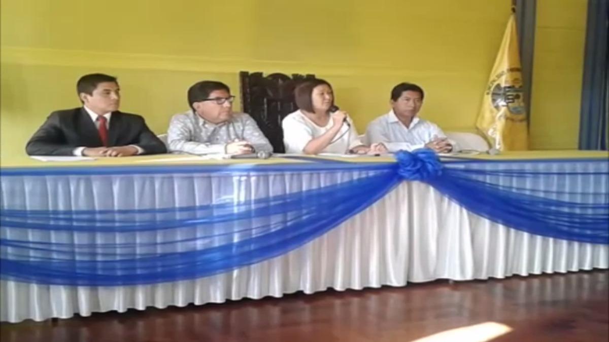 La alcaldesa de Huaral, estuvo acompañada de José Ramos asesor jurídico, Óscar Toledo Maldonado gerente municipal y el secretario general del municipio de Huaral, Jimmy Lezama.