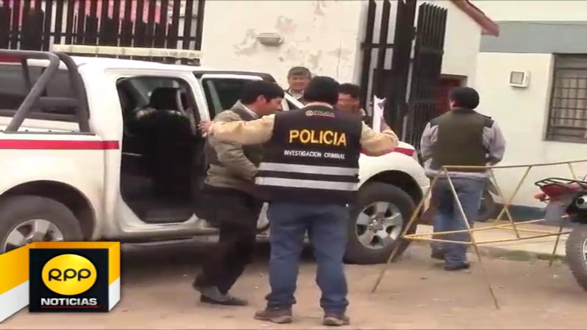 Dos regidores de la municipalidad distrital de San Pedro, que eran buscados por el Ministerio interior, se entregaron esta mañana en la provincia de Canchis ( Cusco).