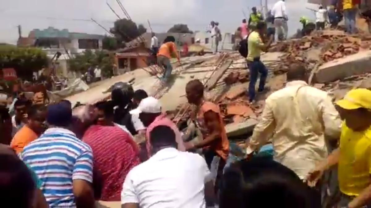 La edificación de seis pisos colapsó en el barrio Blas de Lezo (Cartagena). las autoridades confirmaron que la construcción contaba con los permisos respectivos.