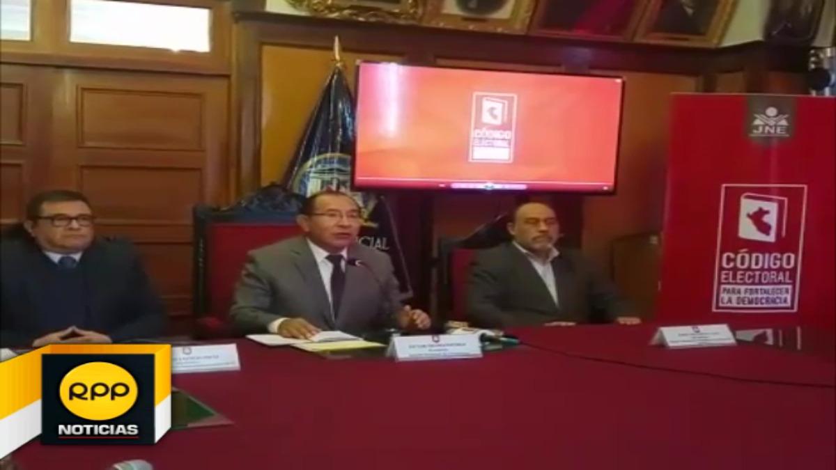 Autoridades de entes electorales llegaron a Cusco para participar en último foro descentralizado.