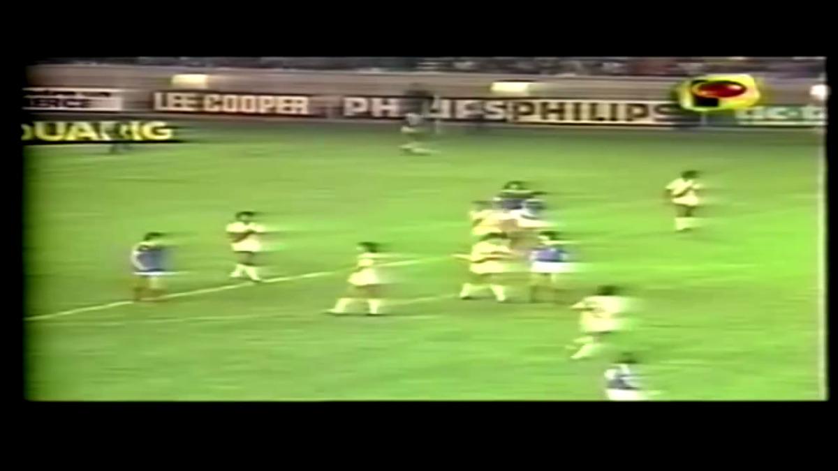 Con gol de Juan Carlos Oblitas, Perú ganó 1-0 a Francia un 28 de abril de 1982 en una gira europea previo al Mundial.