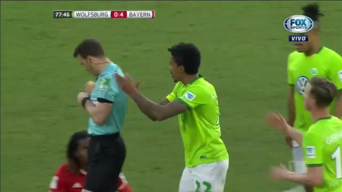 Luiz Gustavo se fue expulsado a los 77' minutos del segundo tiempo