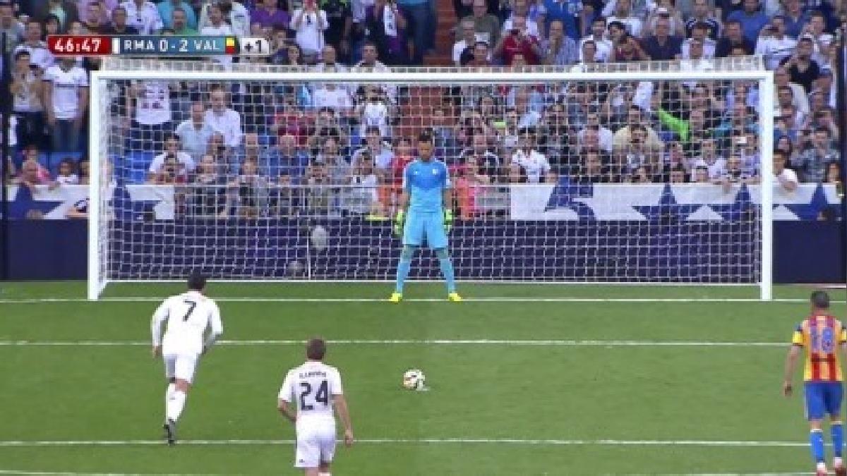 Cristiano Ronaldo falló el tercer de cuatro penales ante Diego Alves.
