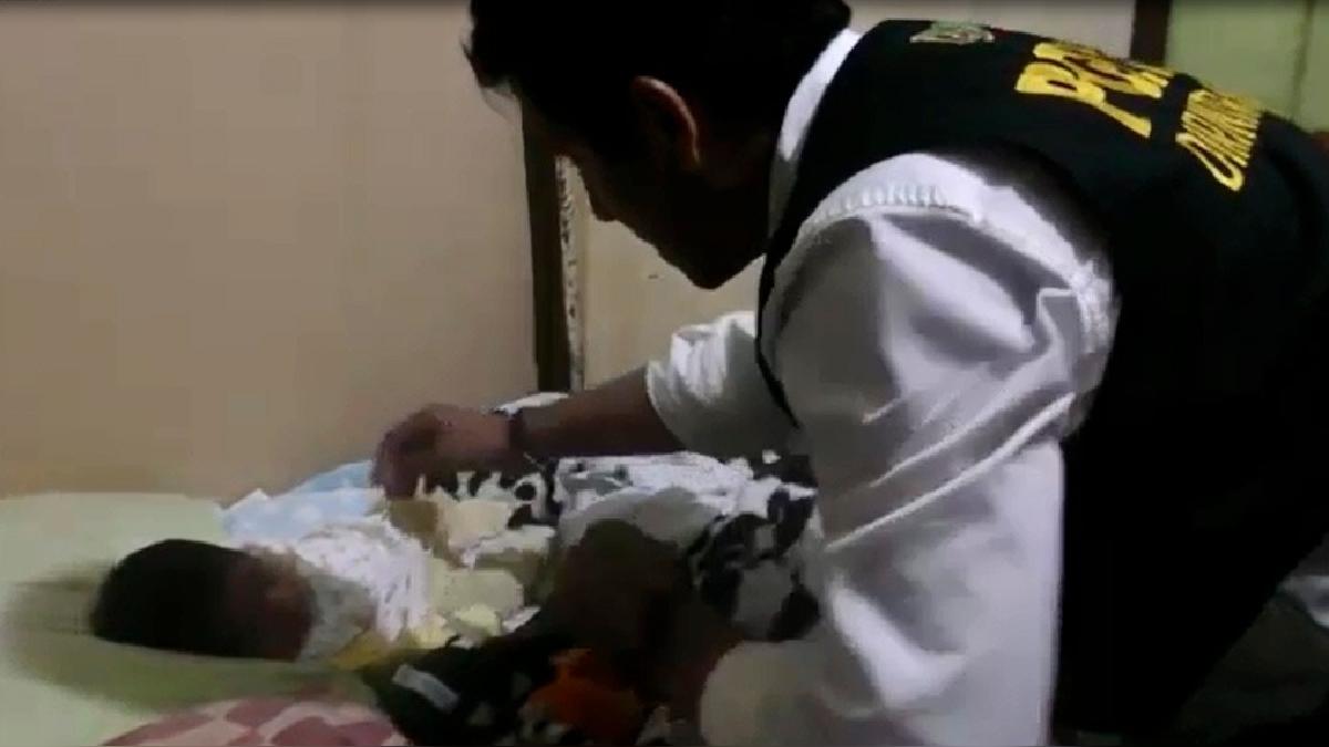 La policía encontró al bebé en una casa de Los Olivos.