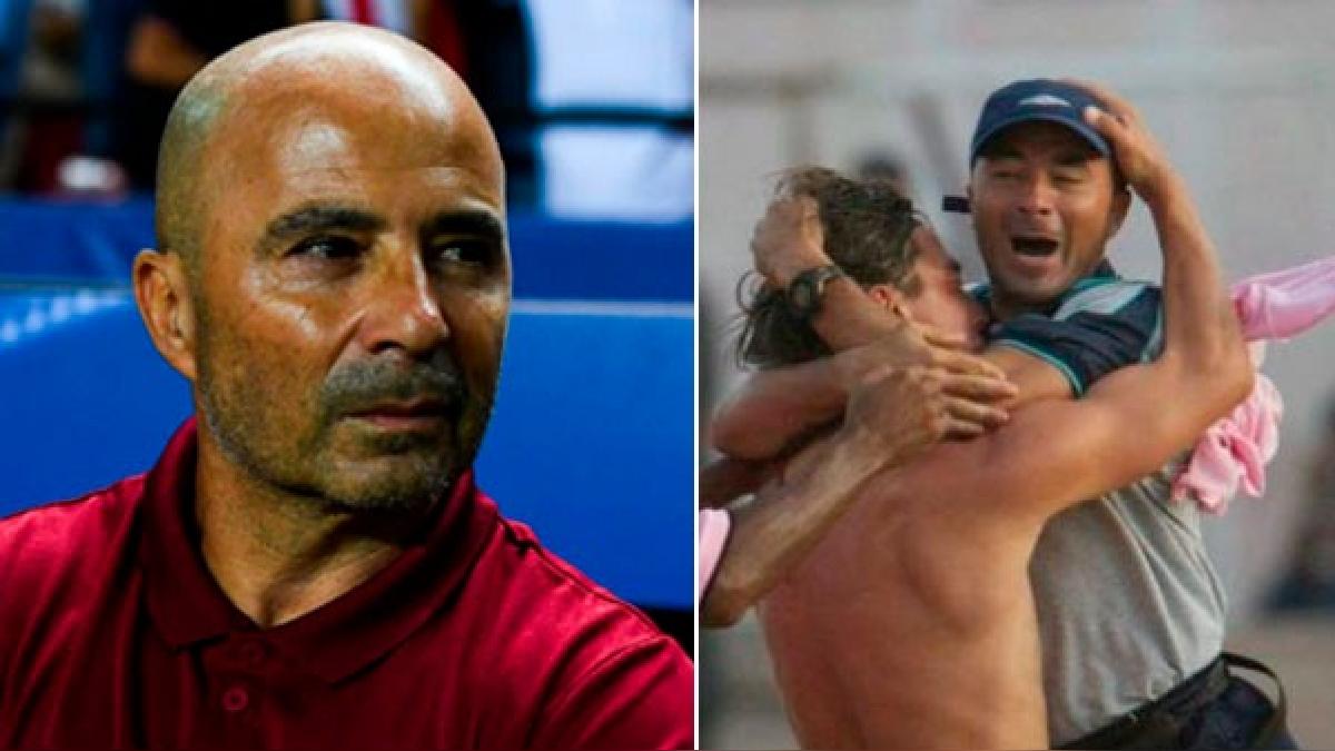 Sampaoli inició su carrera como entrenador con Juan Aurich en el 2002 dónde dirigió 8 partidos y ganó 1.
