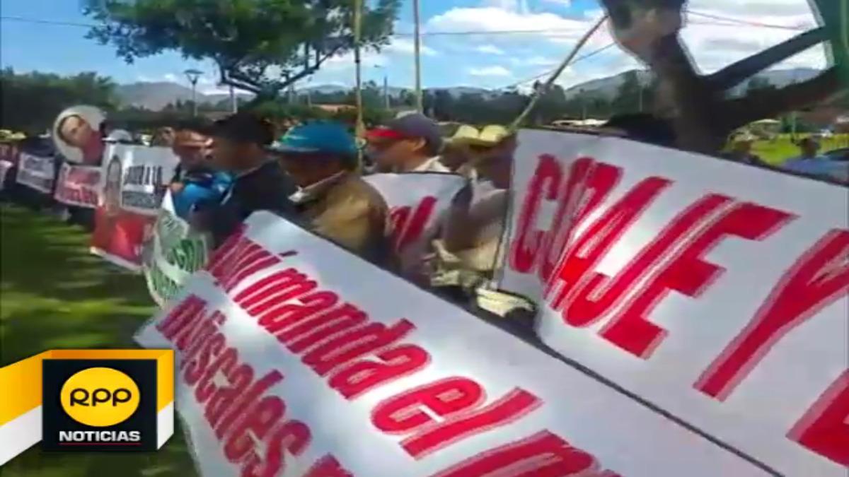 Simpatizantes dijeron que se organizaron de forma espontánea para respaldar a su líder político, Gregorio Santos