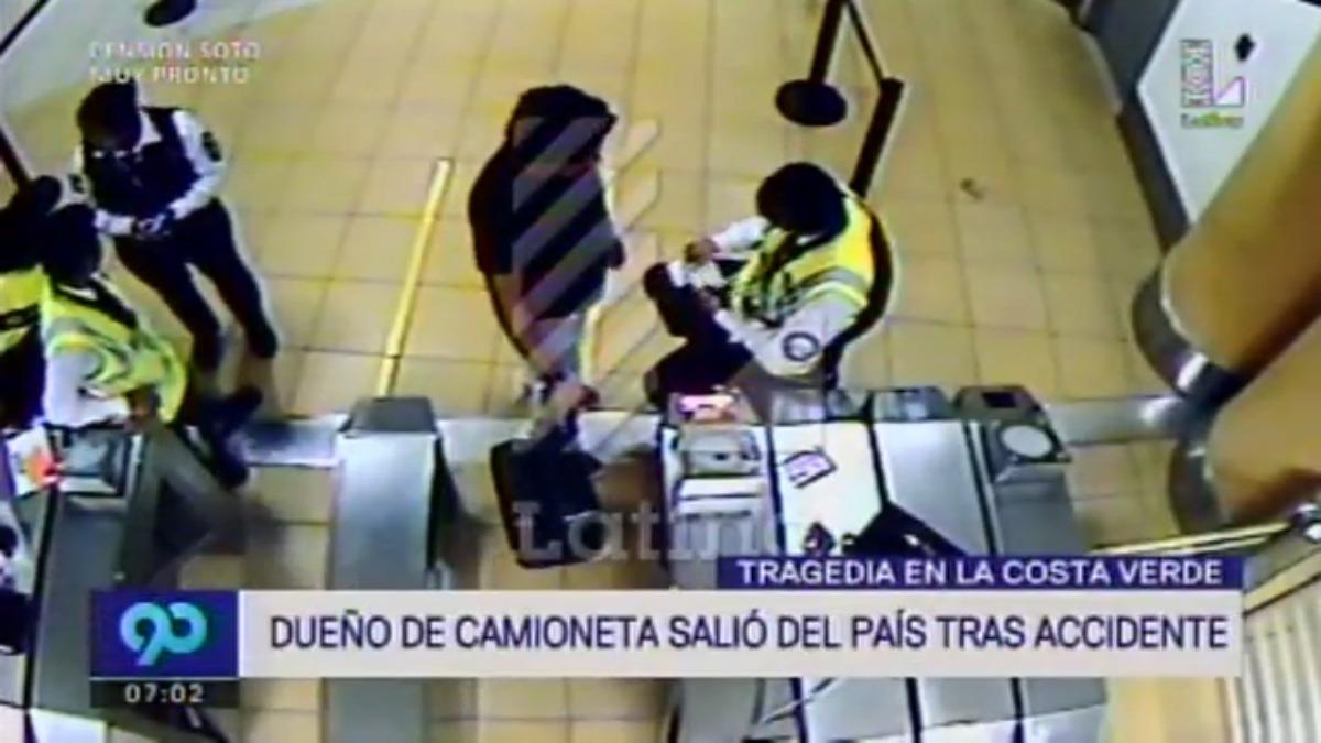 Guillermo Riera se mostró tranquilo al ingresar al aeropuerto.