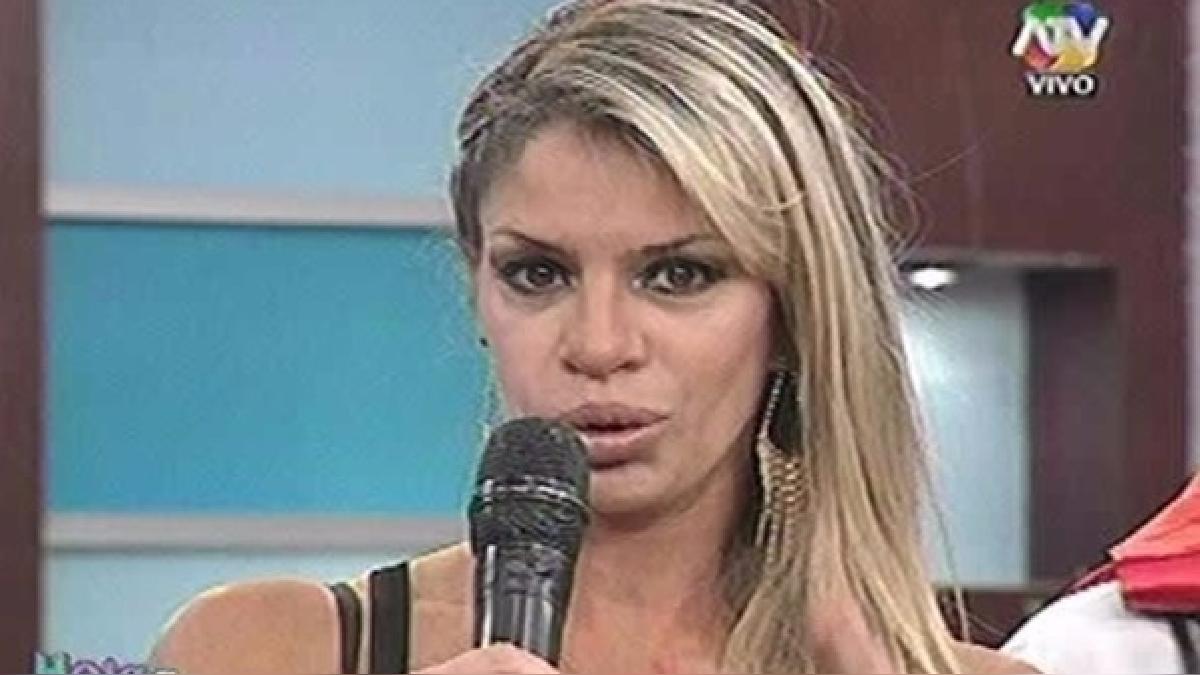 Al ser consultada sobre las acusaciones contra su madre, Alejandra Baigorria solo atinó a reírse.