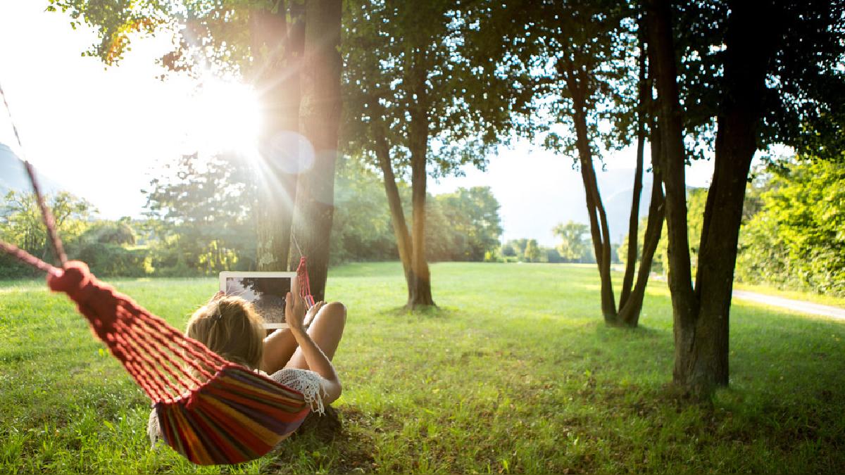 Un espacio público como las áreas verdes da sensación de bienestar y se convierte en un lugar donde se puede intercambiar conocimiento.