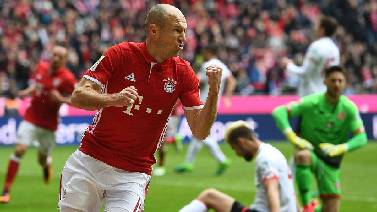 Bayern Múnich gana con dos goles en el tiempo agregado.