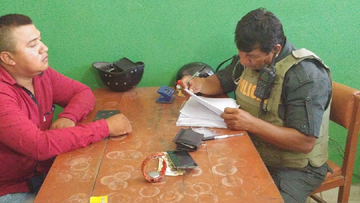 Colombiano detenido por tener en su poder celular reportado como robado.