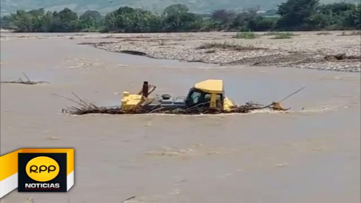 Unidad, cuyo valor asciende a 100 mil dólares aproximadamente, se halla desde hace una semana en medio del río.