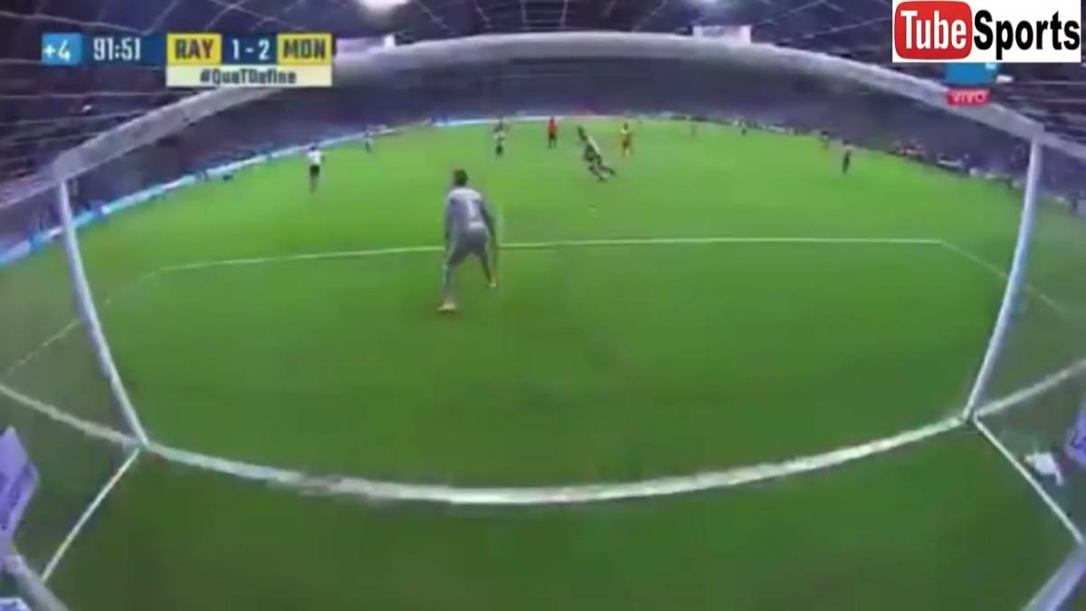 Raúl Ruidíaz marcó el gol que salvó del descenso a Morelia al minuto 91'.