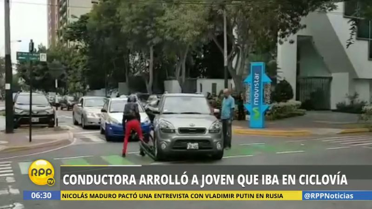 En las imágenes, se ve cómo Úrsula Rischmoller Yupanqui arrolla la bicicleta de Sandra Jáuregui.