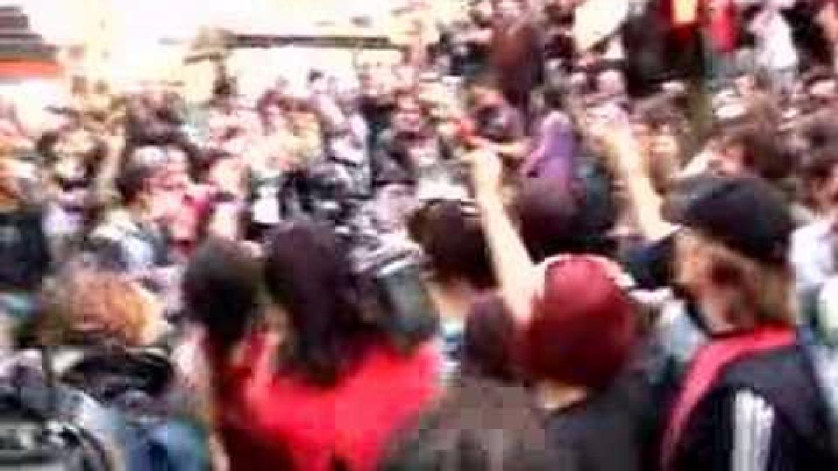 Cientos de jóvenes se reunieron en España, hace 11 años, para celebrar esta fecha.