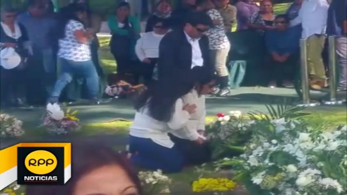 Entierro de niño que falleció asfixiado en colegiio de Arequipa