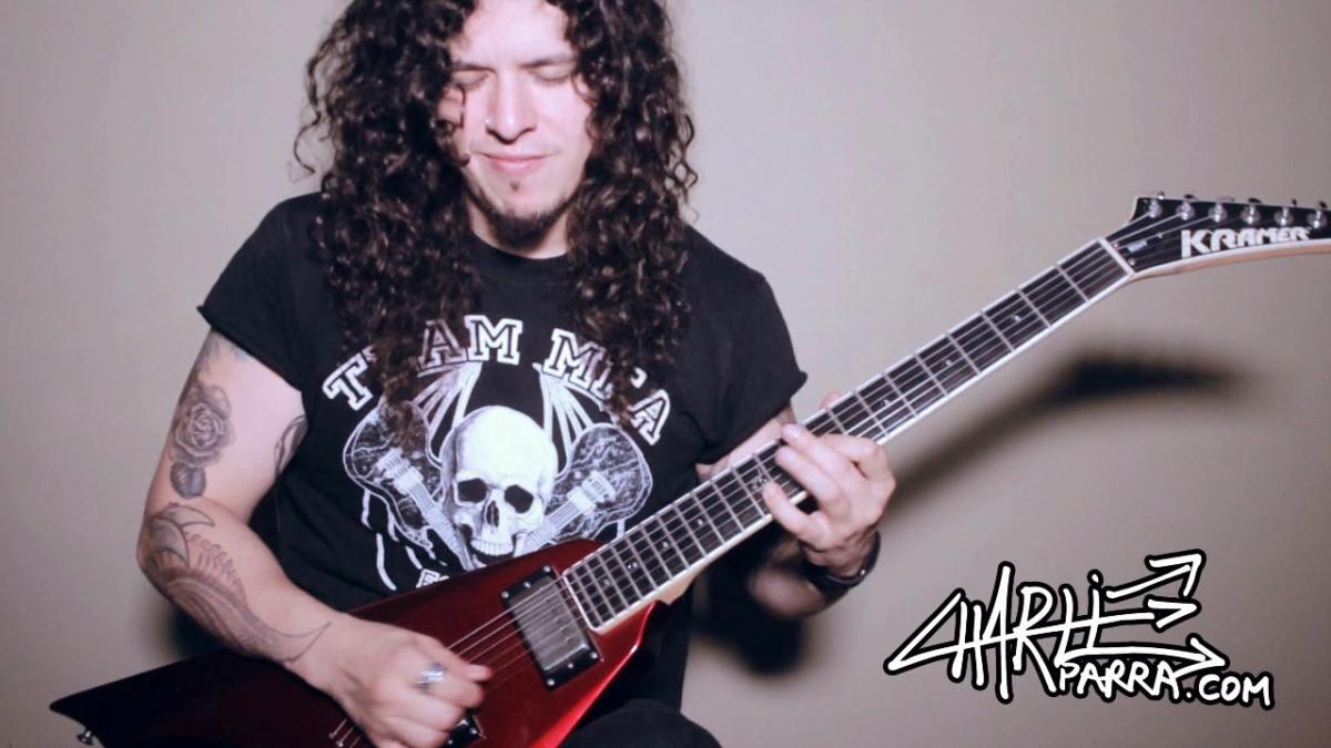 El músico peruano Charlie Parra hace un tiempo sacó su versión del tema.